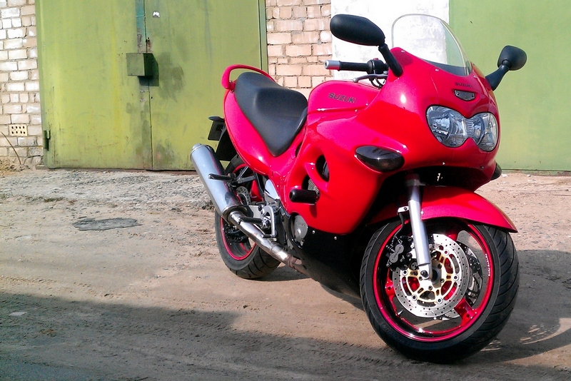 Suzuki GSX600F Katana 600 2000 black red